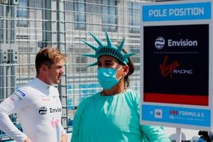 Nick Cassidy, Envision Virgin Racing, on the grid