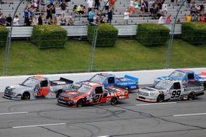 Todd Gilliland, Front Row Motorsports, Ford F-150 Frontline Enterprises INC. and Zane Smith, GMS Racing, Chevrolet Silverado ARLON SLX+