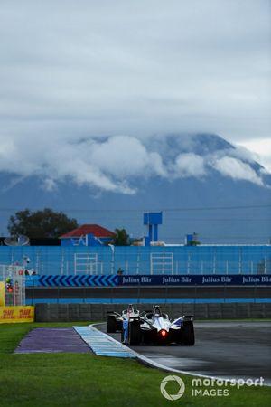 Sebastien Buemi, Nissan e.Dams, Nissan IMO2, Maximilian Gunther, BMW i Andretti Motorsport, BMW iFE.21