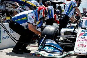 Graham Rahal, Rahal Letterman Lanigan Racing Honda crew member Lon Lewis