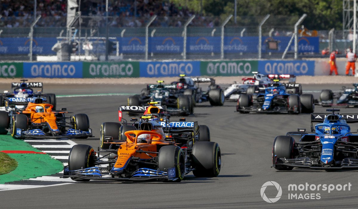 Lando Norris, McLaren MCL35M, Fernando Alonso, Alpine A521, Sergio Pérez, Red Bull Racing RB16B, Daniel Ricciardo, McLaren MCL35M