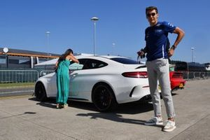 George Russell, Williams, arrives at the circuit