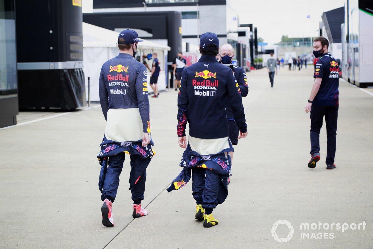 Max Verstappen, Red Bull Racing, y Sergio Pérez, Red Bull Racing