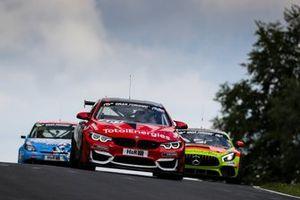 #181 Walkenhorst Motorsport BMW M4 GT4): Chandler Hull, Jonathan Miller