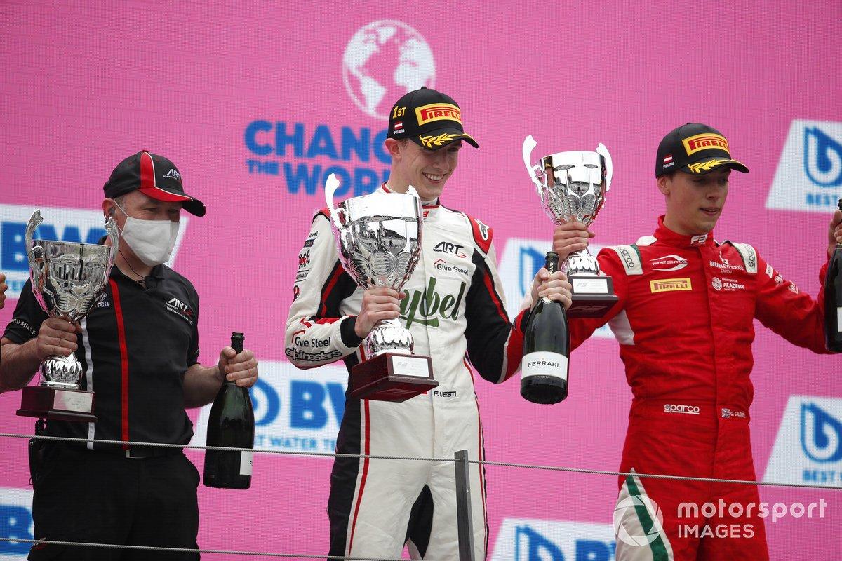 Frederik Vesti, ART Grand Prix, Olli Caldwell, Prema Racing con un miembro de ART GP
