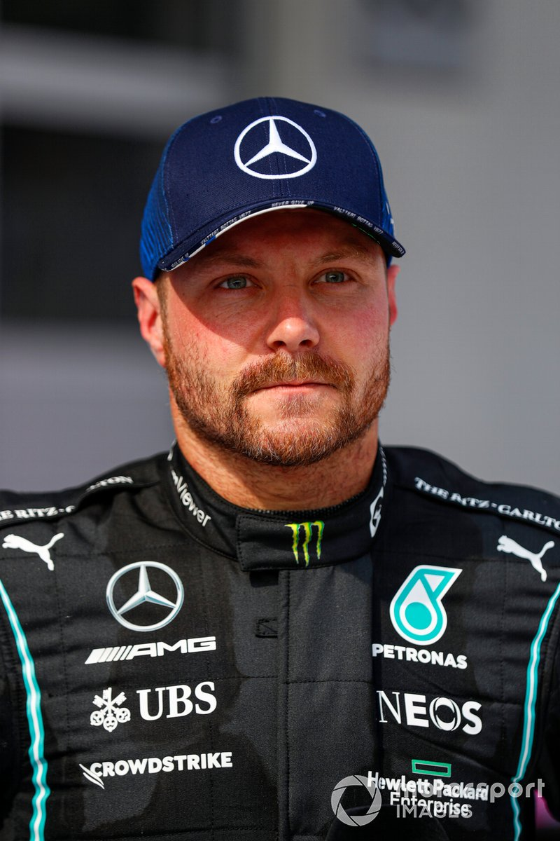 Segundo lugar Valtteri Bottas, Mercedes, en Parc Ferme