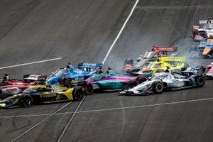 Conor Daly, Ed Carpenter Racing Chevrolet and Graham Rahal, Rahal Letterman Lanigan Racing Honda make contact