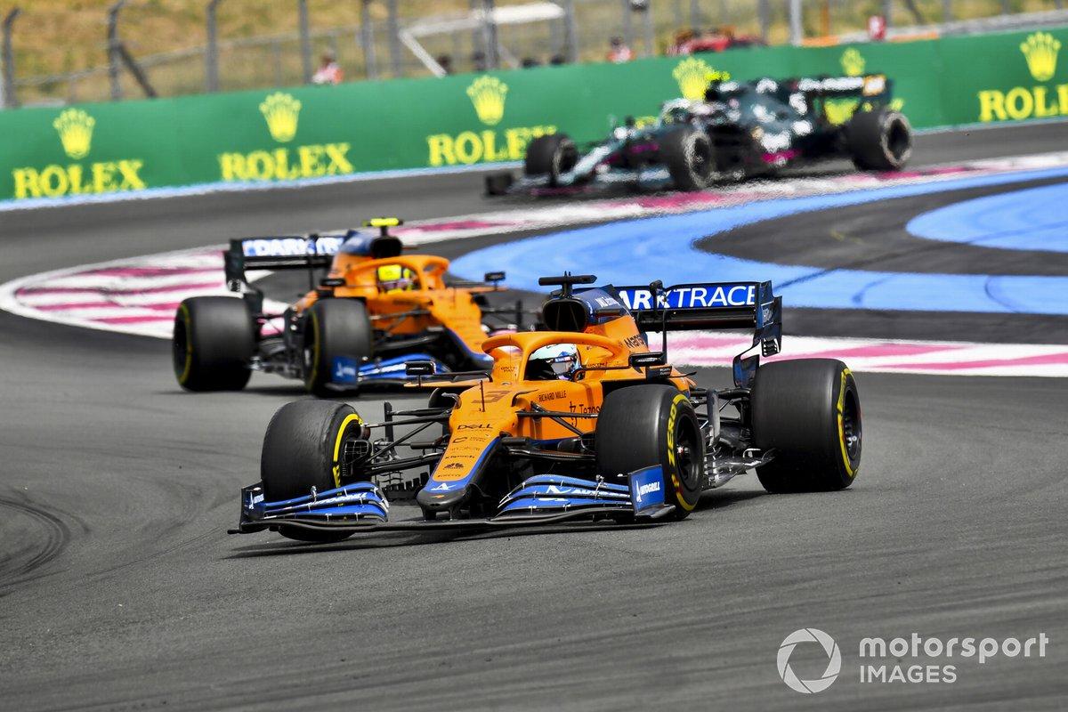 Daniel Ricciardo, McLaren MCL35M, Lando Norris, McLaren MCL35M