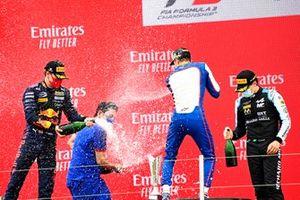 Dennis Hauger, Prema Racing, il vincitore Jack Doohan, Trident e Caio Collet, MP Motorsport