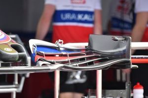 Haas VF-21 front wing detail