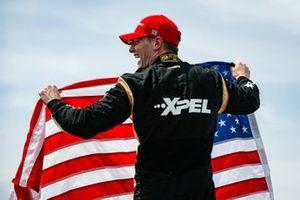 Josef Newgarden, Team Penske Chevrolet festeggia
