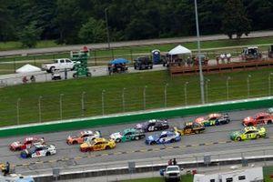 Kyle Busch, Joe Gibbs Racing, Toyota Camry Skittles GummieS, Tyler Reddick, Richard Childress Racing, Chevrolet Camaro Okuma