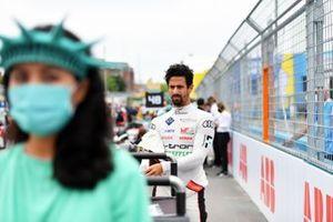 Lucas Di Grassi, Audi Sport ABT Schaeffler, sur la grille de départ