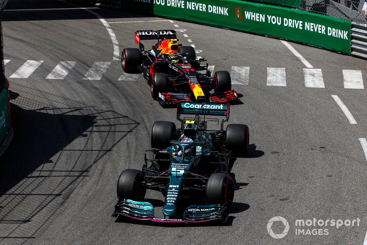 Sebastian Vettel, Aston Martin AMR21 , Sergio Pérez, Red Bull Racing RB16B