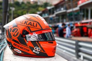 Nikita Mazepin, Haas VF-21 helmet