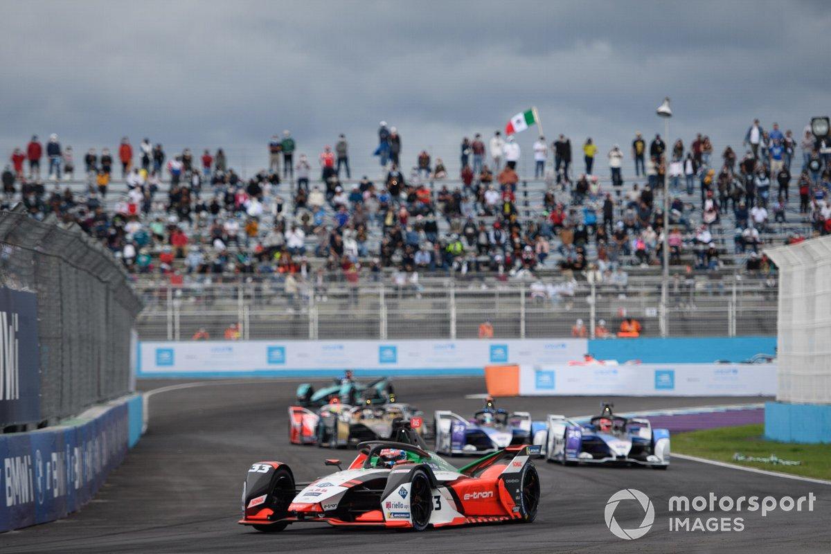 Rene Rast, Audi Sport ABT Schaeffler, Audi e-tron FE07, Maximilian Gunther, BMW i Andretti Motorsport, BMW iFE.21, Jake Dennis, BMW i Andretti Motorsport, BMW iFE.21