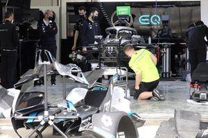 Mercedes-Benz EQ pit box