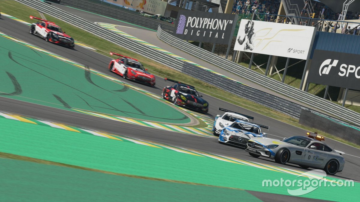 Motorsport.com, con Jacobo Vega al volante, ejerce de Safety Car en el Campeonato de España de Gran Turismo