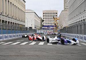 Maximilian Gunther, BMW i Andretti Motorsport, BMW iFE.21, Alexander Sims, Mahindra Racing, M7Electro