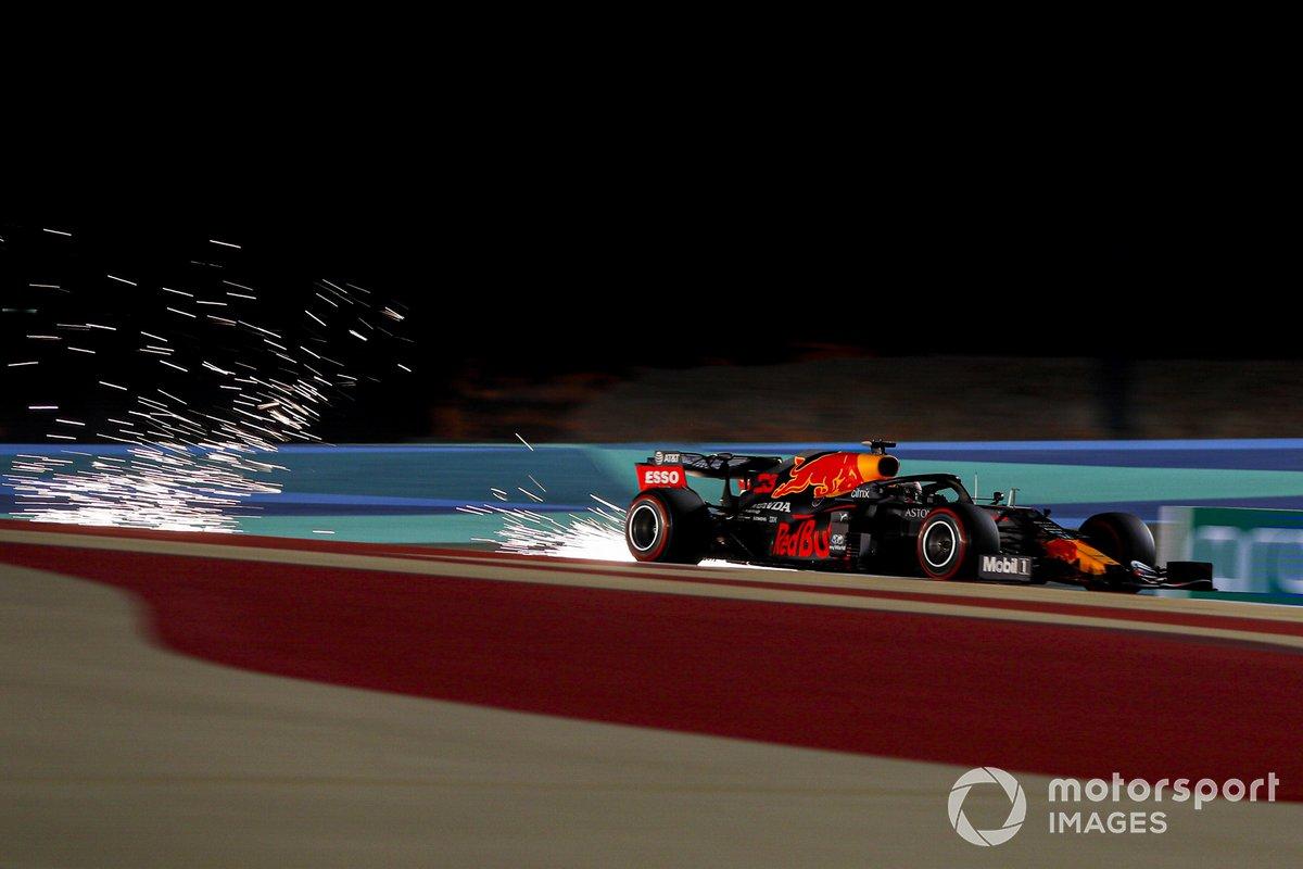 Макс Ферстаппен, Red Bull Racing RB16, высекает искры