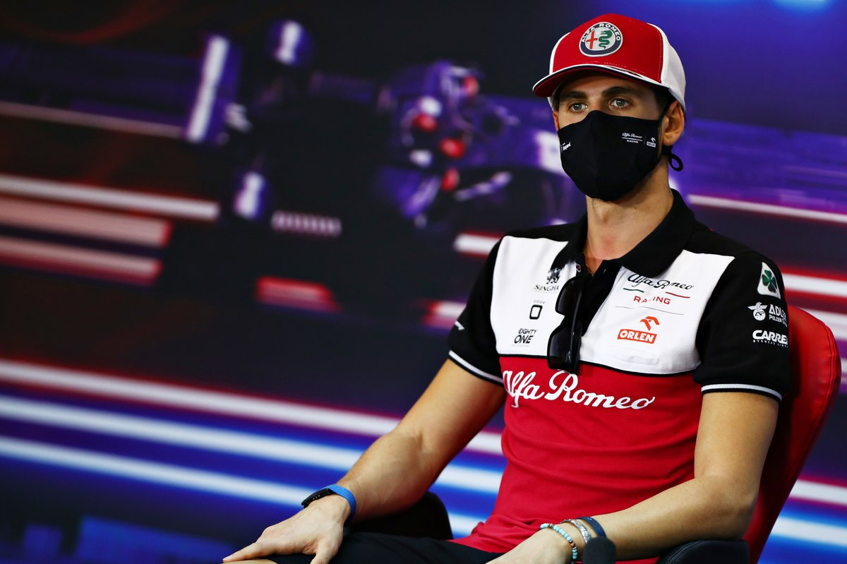 Antonio Giovinazzi, Alfa Romeo Racing, en la conferencia de prensa