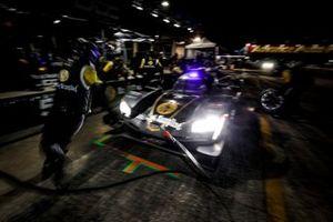#5: Mustang Sampling / JDC-Miller MotorSports Cadillac DPi, DPi: Sebastien Bourdais, Loic Duval, Tristan Vautier, pit stop