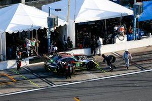 #28 Alegra Motorsports Mercedes-AMG GT3, GTD: Pit Stop, Billy Johnson, Maximilian Buhk, Mike Skeen, Daniel Morad