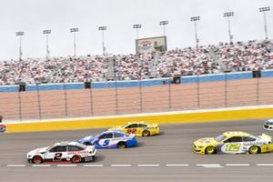 Brad Keselowski, Team Penske, Ford Mustang Discount Tire, Kyle Larson, Hendrick Motorsports, Chevrolet Camaro HendrickCars.com, Joey Logano, Team Penske, Ford Mustang Shell Pennzoil