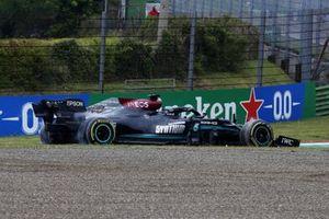 Lewis Hamilton, Mercedes W12, rejoins after an off