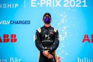 Le vainqueur Jean-Eric Vergne, DS Techeetah, sur le podium