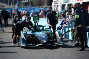 Oliver Turvey, NIO 333, NIO 333 001, in the pit lane