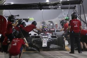 Antonio Giovinazzi, Alfa Romeo Racing C41, stops in his pit area
