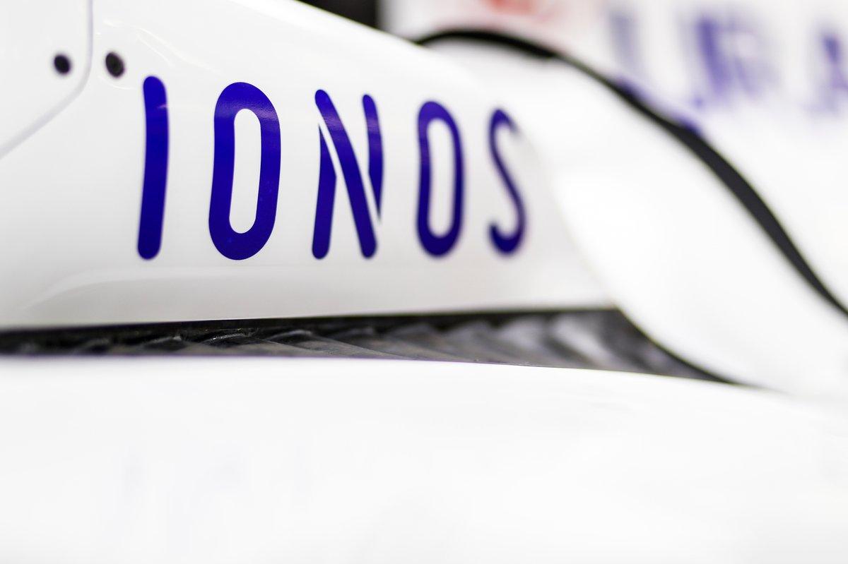 Pegatinas de IONOS en el Haas VF-21