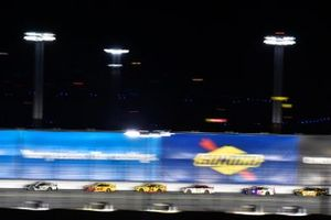 Aric Almirola, Stewart-Haas Racing, Ford Mustang Smithfield and Joey Logano, Team Penske, Ford Mustang Shell Pennzoil