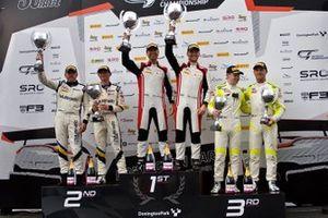 Podium GT4: race winners #29 Steller performance, Audi R8 LMS GT4, Sennan Fielding, Richard Williams