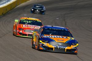 Ricky Stenhouse Jr., Roush Fenway Racing, Ford Mustang SunnyD, Ryan Newman, Roush Fenway Racing, Ford Mustang Oscar Mayer Bacon