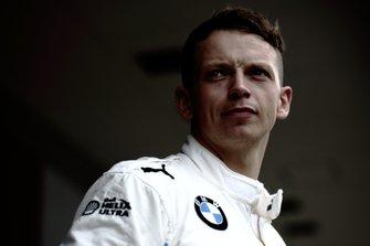 #42 BMW Team Schnitzer BMW M6 GT3: Nick Yelloly