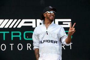 Lewis Hamilton, Mercedes AMG F1, on stage