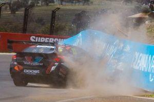 Авария: Ричи Стэнэвэй, Garry Rogers Motorsport, Holden ZB Commodore