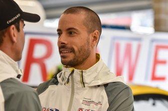 #98 ROWE Racing Porsche 911 GT3 R: Romain Dumas, #998 ROWE Racing Porsche 911 GT3 R: Frédéric Makowiecki