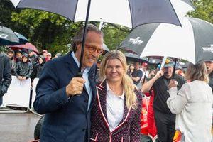 Lord March and Corinna Schumacher prima della celebrazione per Michael Schumacher
