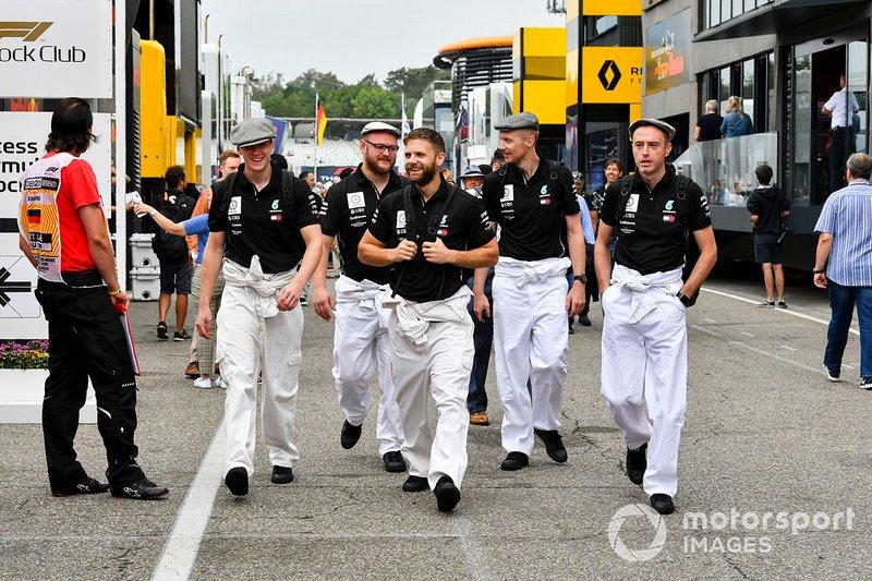 Mecánicos de Mercedes AMG F1