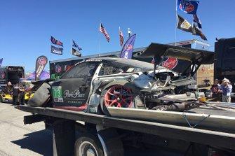 Coche de #73 Park Place Motorsports Porsche 911 GT3 R, GTD: Patrick Long, Patrick Lindsey después del choque