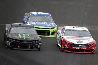 Kurt Busch, Chip Ganassi Racing, Chevrolet Camaro Monster Energy Ryan Blaney, Team Penske, Ford Mustang Wabash National