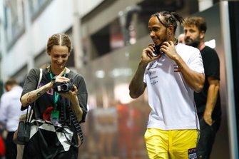 Lewis Hamilton, Mercedes AMG F1, meets a fan