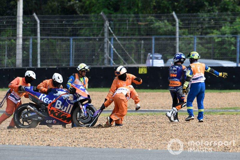 Miguel Oliveira, Red Bull KTM Tech 3 después de su caída