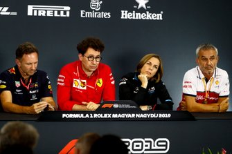 Christian Horner, Team Principal, Red Bull Racing, Mattia Binotto, Team Principal Ferrari, Claire Williams, Deputy Team Principal, Williams Racing, e Beat Zehnder, Team Manager, Alfa Romeo Racing, alla conferenza stampa