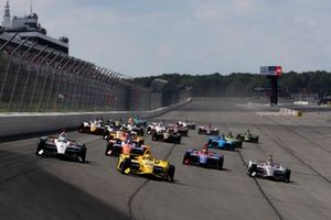 Simon Pagenaud, Team Penske Chevrolet leads at the start