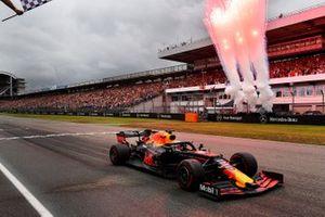 Yarış galibi Max Verstappen, Red Bull Racing RB15