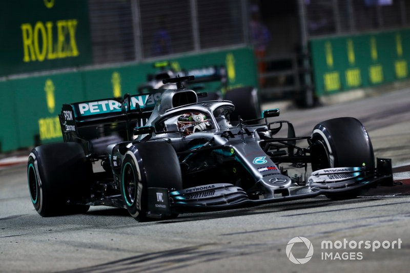 4 - Lewis Hamilton, Mercedes AMG F1 W10